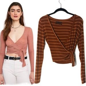 Urban Outfitters Wrap Top S